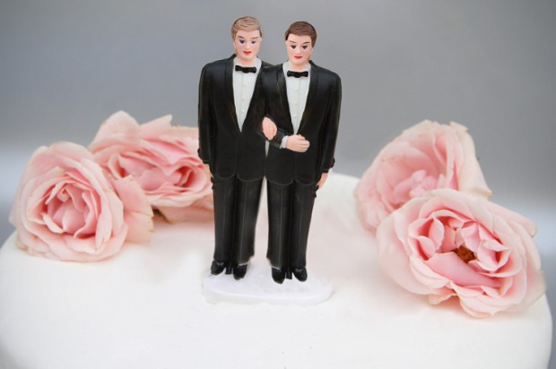 same_sex_wedding_topper1-620x412